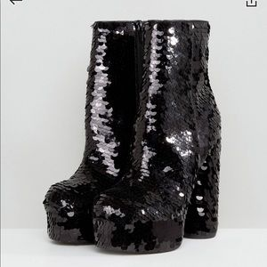 Ankle Boots - Black sequins